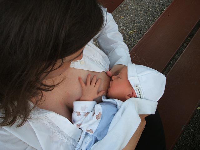 Mateřské mléko – hodnota, která je k nezaplacení