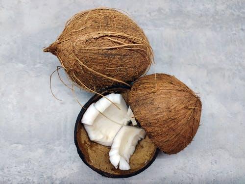 Voňavý a dobrý, takový je kokos – proč bychom ho měli používat častěji?
